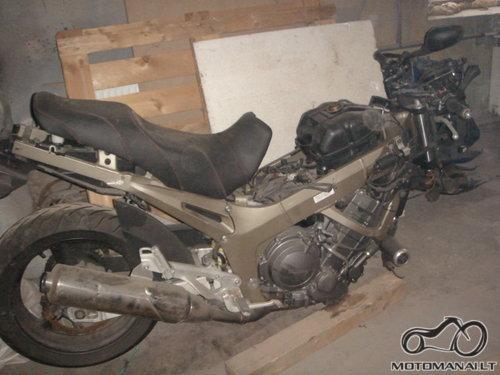 -'03 Yamaha TDM900