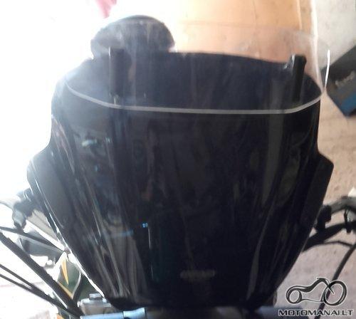 - Universalus motociklo stiklas