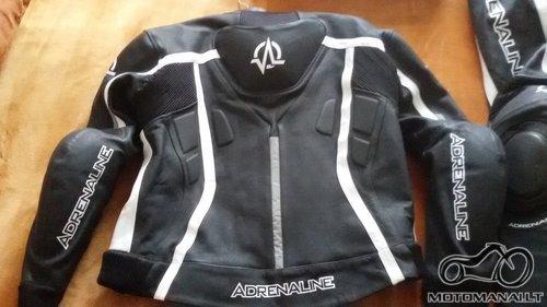 Adrenaline Centurion Parduodu kostiuma Adrenaline Centurion  (M-L)