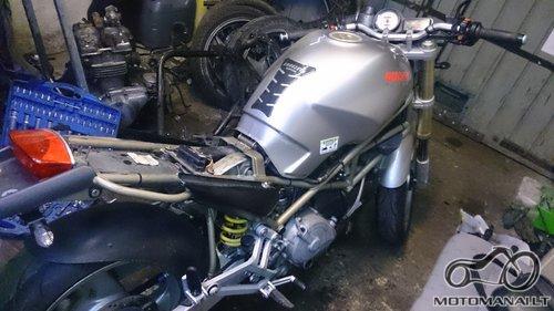 Ducati'96 Monster 750