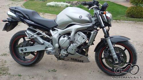 YAMAHA'06 Fz6