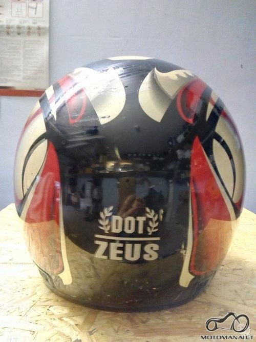 Zeus Šalmas ZEUS