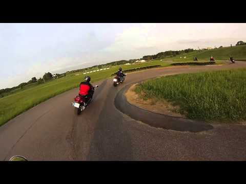 Saugaus motociklizmo kursų praktika Aukštadvario kartodrome