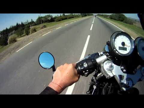 triumph thruxton 2011 top speed 218khm/h
