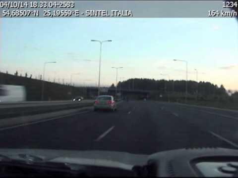 Motociklininkas Vilniuje leistiną greitį viršijo 90 km/h