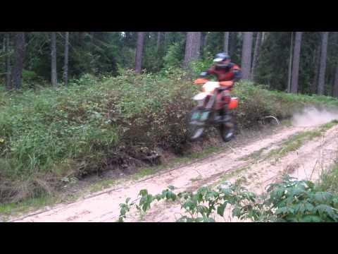 KTM EXC 525 Rusla Long Jump Enduro