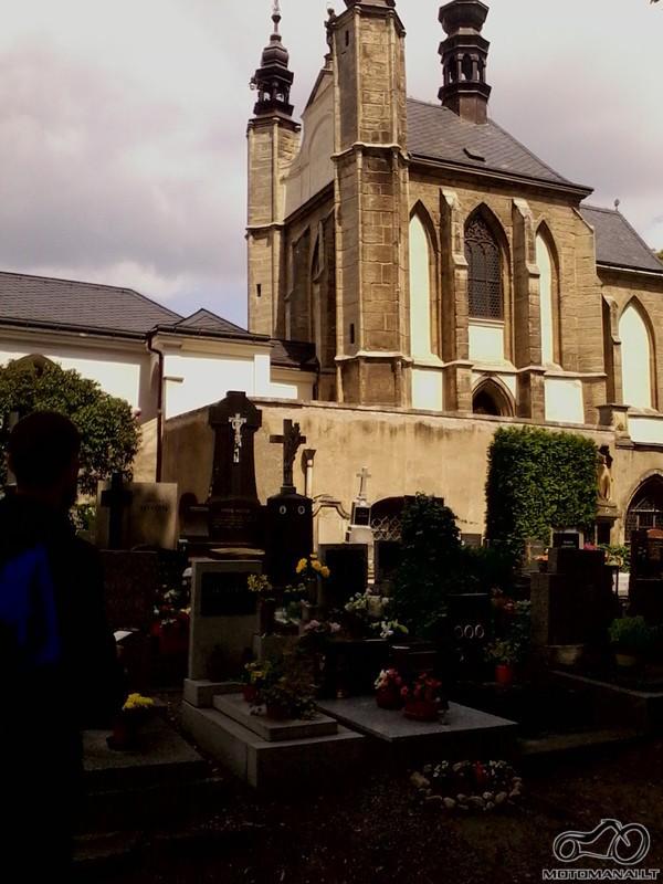 Kaulų bažnyčios eksterjeras