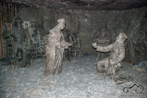 Pirmosios statulos iš druskos...