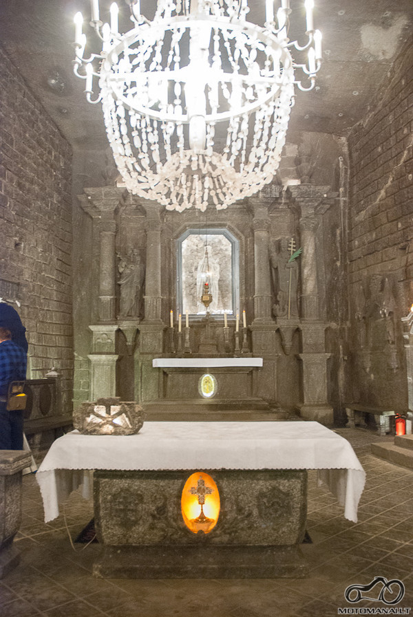 Bažnyčios altorius (ji vis dar veikianti)