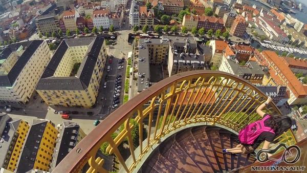 Vor Frelsers Kirke, apžvalgos 'laiptai'