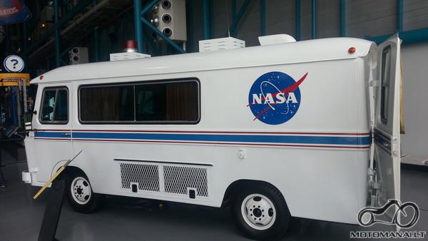 Autobusiukas kur veziojo Apollo astronautus