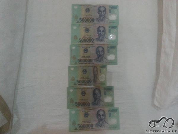 Trys milijonai pinigų