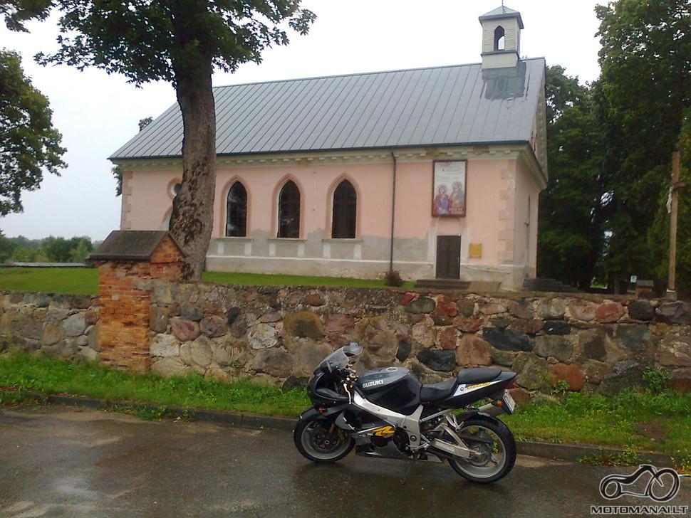Sužionių Šv. Felikso Valua bažnyčia