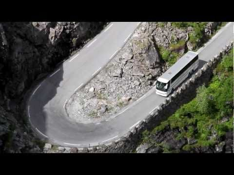 It is a challenge to be the bus driver in Trollstigen
