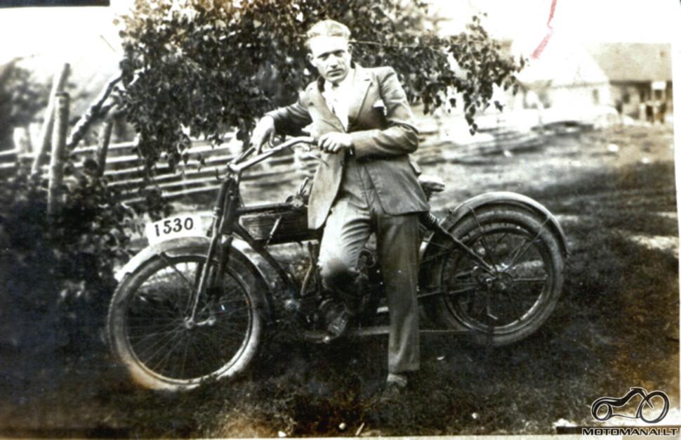 Nuotrauka iš Senų vežimų klubo archyvo