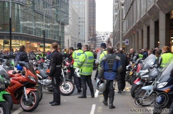 MOTOCIKLU parking'o mokescio protestas