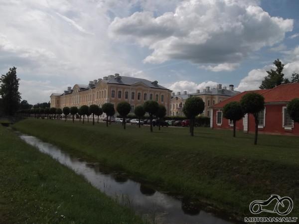 Rundalės pilis