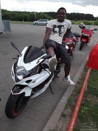 Motociklininkas iš Afrikos