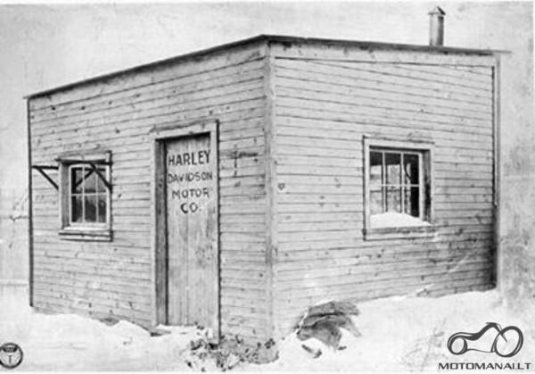 Pirmoji Harley Davidson motociklų gamykla (1903 m.)..