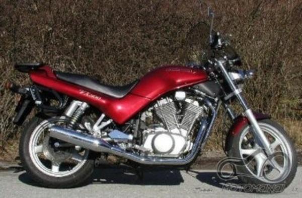 Suzuki VX800 ar Honda NTV650?