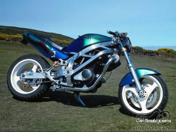 Atsakyta :Custom Suzuki GSXR1100 Molywaki Turbo