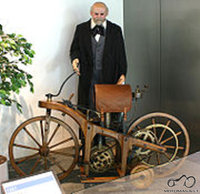 Atsakyta: 1885 Daimler Reitwagen