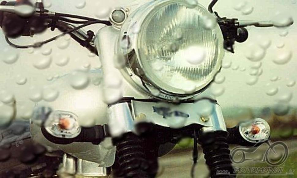 Atsakyta: pavaizduotas Royal enfield motociklo priekis