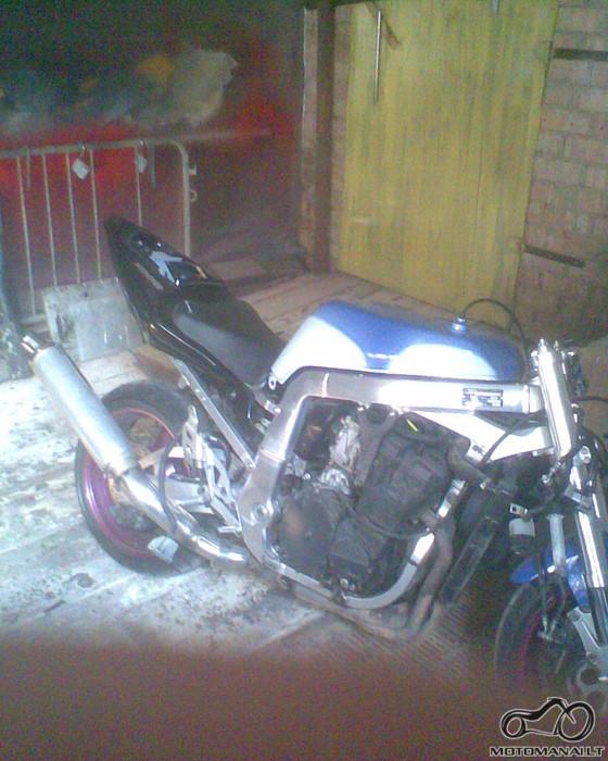 Suzuki gsxr streetfighter