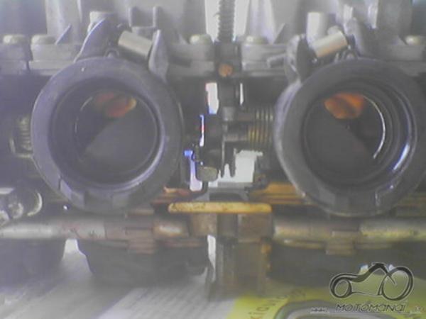 Yamaha XJ karbų ribotuvai gyvai