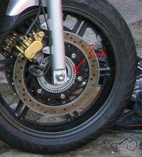 Kas bus jie ratą be ABS pritaikysiu ABS motociklui?