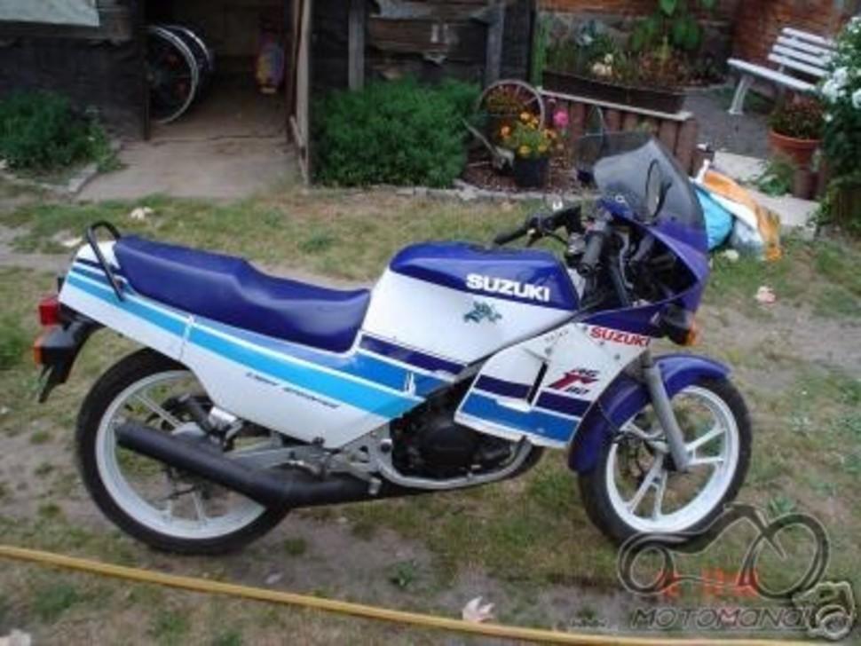 Suzuki RG 80