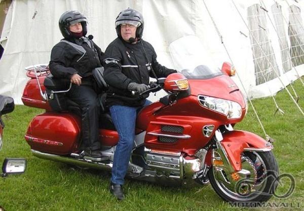 Audio sistema motociklui