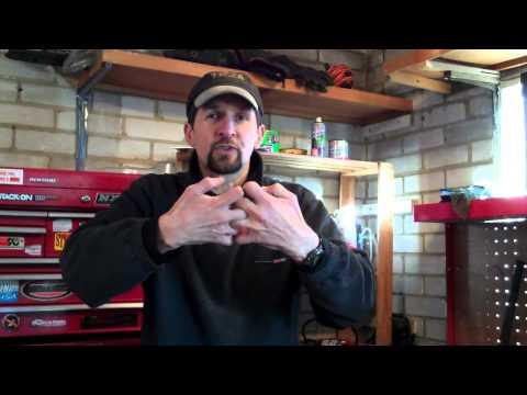 Delboy's Garage, Suzuki Bandit 1st gear crunch.