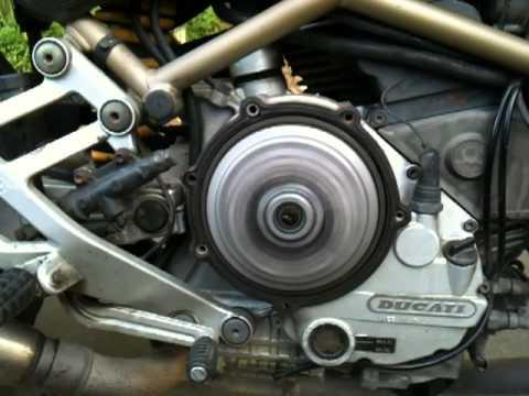 Ducati Monster 900 dry clutch sound (original)