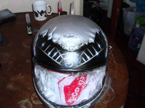 airbrushing of helmet (black widow)
