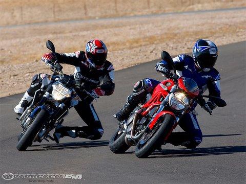 Aprilia Shiver vs Ducati Monster 696