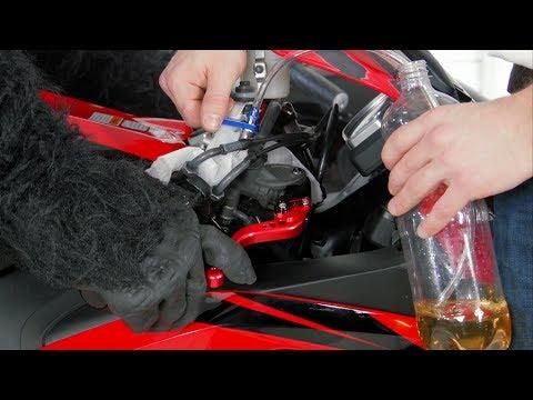 Замена Тормозной Жидкости и Прокачка Тормозов на Мотоцикле