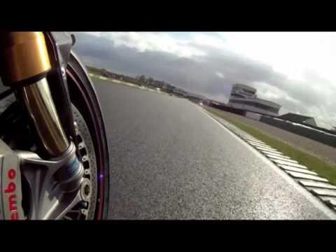Suzuki GSX-R600 vs Triumph Daytona 675R
