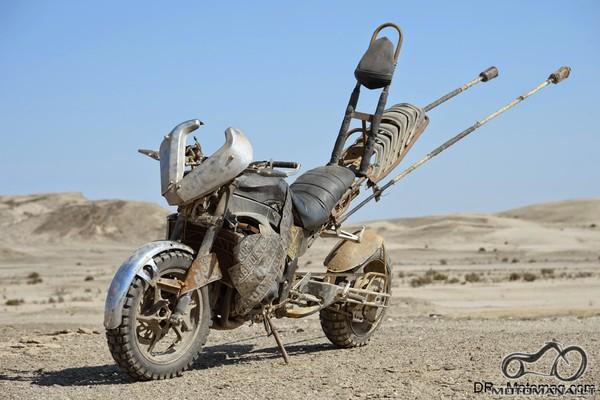 vienas iš Mad Max: Fury Road'15