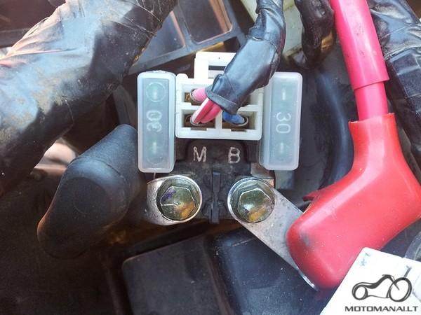 Yamaha XVS 1100 uzvedimo rele MS5F - 421