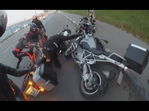 Мотоциклы KTM опасны для окружающих! KTM 1190 destroyed 3 BMW