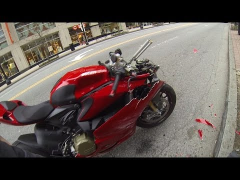 DUCATI PANIGALE CRASH!!