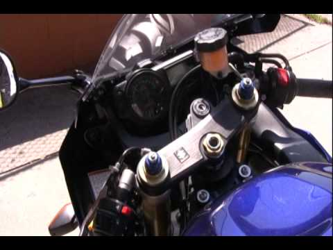 How to Speed Shift on a Motorcycle