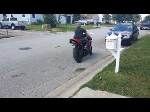 Cbr 1000 Wheelie Over Speed Bump