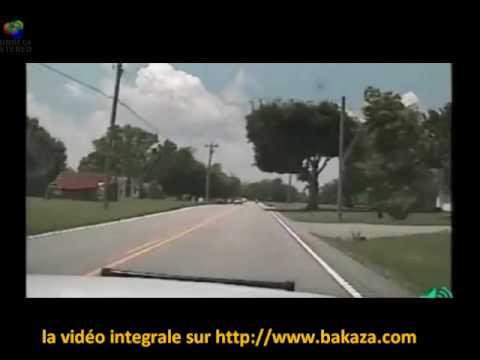 Course poursuite moto police crash