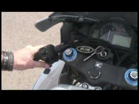 Motorcycle Riding Basics : Motorcycle Parts