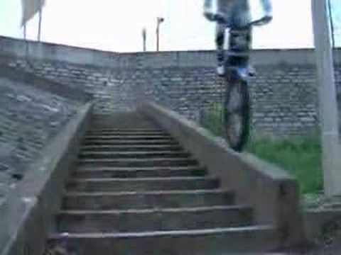 Freestyle motorcycle trial