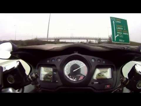 CBR1100xx Fast ! illegal Honda Super Blackbird 0-300    HQ video