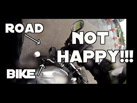 Why you never ride on wet tram lines... | SKID | YBR125 | Motovlog |