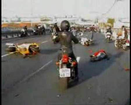 Moto Crash Superincidente Multiplo Russi in Moto